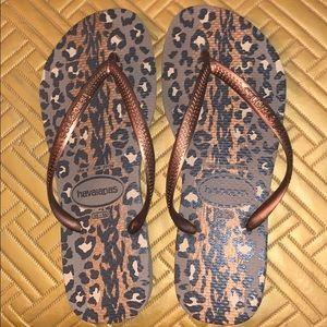 Bronze Leopard Havaianas Flip Flops 🐆